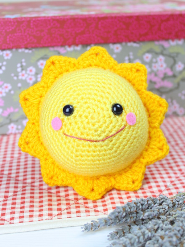 Mr. Golden sun amigurumi crochet pattern by Tremendu 1