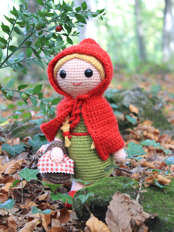 Red Riding Hood amigurumi crochet pattern by Tremendu 1