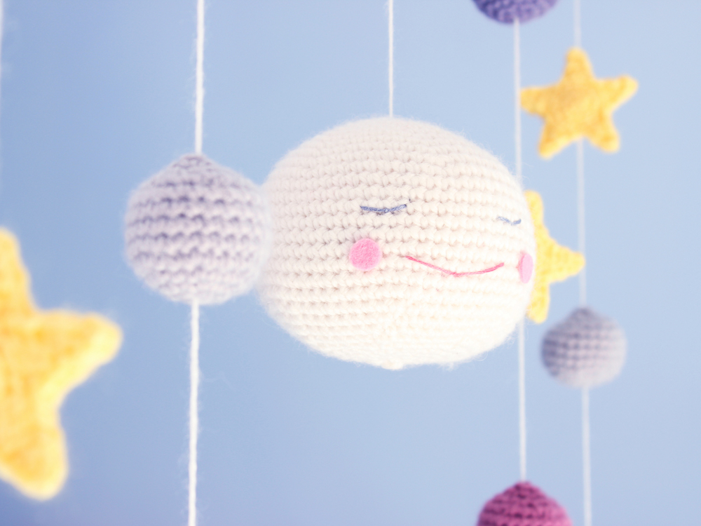 Under the moon mobile amigurumi crochet pattern by Tremendu 3