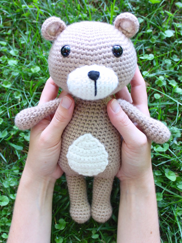Vinnie the teddy bear amigurumi crochet pattern by Tremendu 1