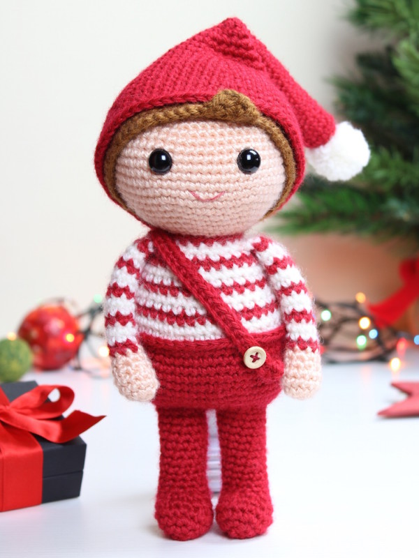 christmas elf amigurumi crochet pattern by Tremendu 1