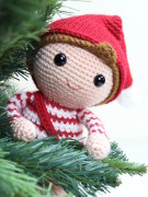 christmas elf amigurumi crochet pattern by Tremendu 2