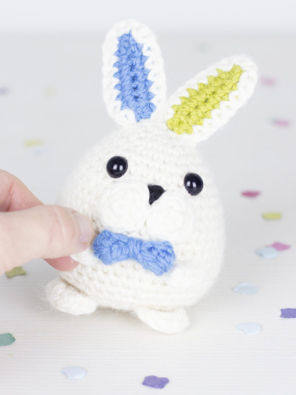 Magicus the easter bunny amigurumi crochet pattern by Tremendu 2