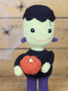 Frankie the smiley Frankenstein amigurumi crochet pattern by Tremendu 2