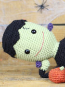 Frankie the smiley Frankenstein amigurumi crochet pattern by Tremendu 8a