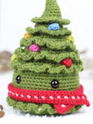 Jolly the Christmas tree amigurumi crochet pattern by Tremendu 2