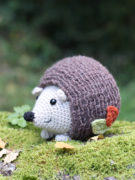 Lou the hedgehog amigurumi crochet pattern by Tremendu 3