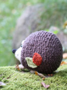 Lou the hedgehog amigurumi crochet pattern by Tremendu 4