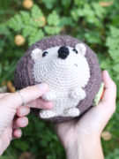 Lou the hedgehog amigurumi crochet pattern by Tremendu 5